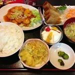 大善 - 料理写真:エビチリ定食