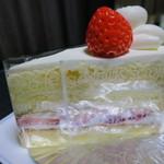 リヴェールモンターニュ - 料理写真:ショートケーキ(380円)