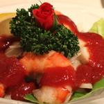 レストラン香味屋 - 海の幸のカクテル チリソース添え のアップ