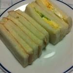角田屋製パン - ハムサンドとタマゴサンド  180円
