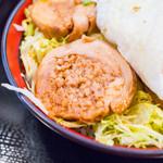 鳥めし 鳥藤分店 - 「鶏チャーシュー玉子飯」の一手間掛かった鶏チャーシュー