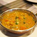 マドラスミールス - アラピー野菜カレー(2013.03)