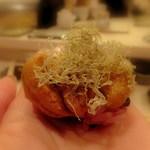 寿司処 しん - (*´艸`*)  ウニをMY手に乗せて食べるんです!素敵すぎます!