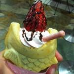 鯛パフェ - 苺づくしパフェ 350円