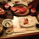 ひなた - 夕食(金目鯛に姿煮がデケェ~)