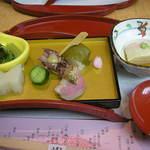 京懐石 美濃吉 - 雛豆腐、季節の5種盛り