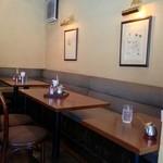 17904171 - テーブル席の雰囲気