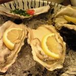 17905612 - 生牡蠣三種