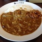 17910672 - H.25.3.19.昼 ポークカレー+豚しゃぶ+納豆+3辛=890円