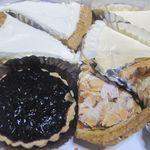 LE SUCRE - ボケボケ1/レアチーズ、洋ナシ、アップル、アーモンド、ブルーベリー/201303