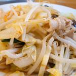 旅風亭 - ピリ辛肉野菜炒め