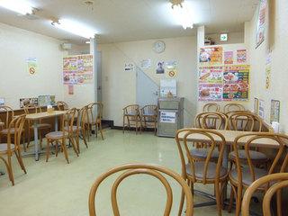 Jef サンライズなは店 - 店内は広々。オシャレな雰囲気はないです。