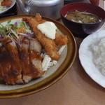 お食事処 菊水 - エビフライとチキングリルミックス(800円)