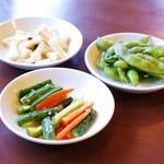 台湾小吃 花蓮 - 小皿の前菜