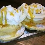 ビアンコ ブランコ - ホットケーキ季節のフルーツ(300円)