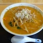 梅園食堂 - 料理写真:ヤンニン味噌ラーメン(700円)