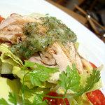1793667 - 「冷製鶏もも肉の白ワイン蒸し ローズマリー風味」1400円