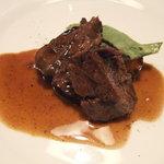 オステリア ジリオ - 牛ほほ肉の煮込み