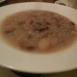 17935134 - 北イタリア国境に伝わる農夫のスープ