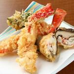 天ぷら ひさご - タラバカニ・ズワイカニ・しいたけのカニ詰め~蟹の天ぷらコースのメイン~