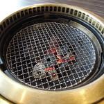 17947907 - 炭でじっくり焼きます