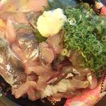 魚力 - あじタタキ丼\590