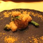 17953061 - 帆立とアスパラガスの炒め つぼみ菜と長芋とシェンタンソース添え