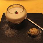 麻布長江 香福筳 - デザート:メイプルシロップとココナッツミルクのプリン と 中華オコシ