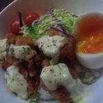 星蔵 - 唐タル+半熟卵!500+50円、卵の写真の写り悪いですがから揚げと絡めて旨いです!