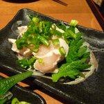博多若鳥 - 地鶏さしみ(ハーフサイズ) \260