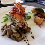 ARIZONO - 前菜(スモークサーモン、きのこ炒め、ローズマリーとかぼちゃのオーブン焼き)