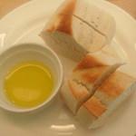 17963602 - ランチセットのパン