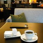 アンテヴォルテ - セットのコーヒー