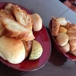 ピエールの麦餅 - パン食べ放題