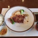 レストラン円山 - ステーキ膳2500円