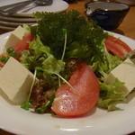 てぃーだむーん - 海ぶどうのサラダ