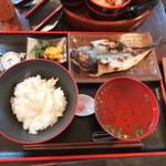 食堂 おさか - あじ定食730円