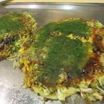 17969372 - そば肉玉と野菜肉玉・チーズ
