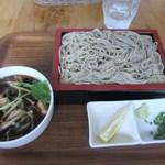一耕 - 先ずはきのこせいろ1100円がテーブルに運ばれてきました。