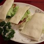 紅爐餐廳 - 生ハムの饅頭的な。不思議食感!