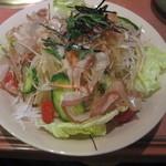 Yakinikukanae - 大根サラダ