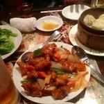 南国亭 - 青菜炒め、酢豚、小龍包