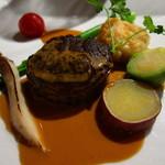 ルモンドガーデン - オーストラリア産子牛ヒレ肉のラルド巻き ボルチーニソース