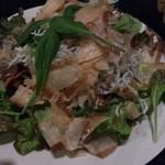 Gyoshoutakaaki - 隆明コースのサラダ。しらすが入ってました。ドレッシングとの相性が、よかったです(*^^*)