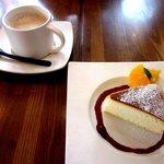 オンロード - スフレチーズケーキ&カフェオレ!