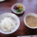 チャイナ厨房盧山 - ライス、スープ、お新香