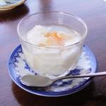 チャイナ厨房盧山 - 杏仁豆腐