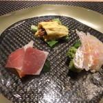 17992719 - ■前菜3種盛り合わせ                       さくら鯛のカルパッチョ                       蛍烏賊のオムレツ                       パルマ産生ハムと自家製ピクルス