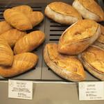 17997900 - 見た目も逞しいパン達