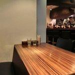 カンティーナ - 店内のテーブル席の風景です